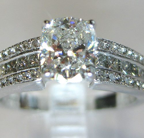 anique-princess-round-channels-custom-engagement-ring