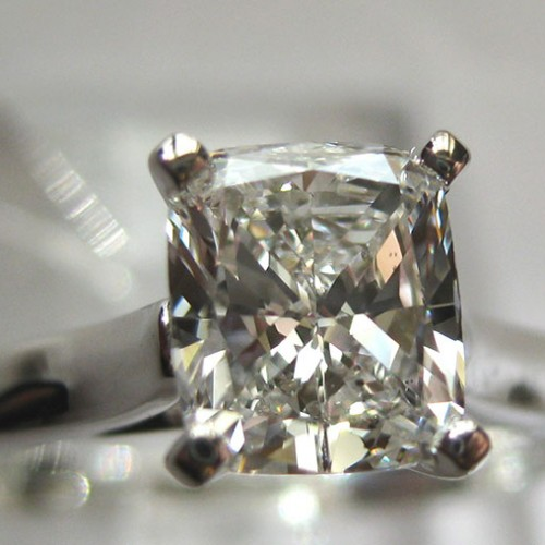 cushion-custom-engagement-ring-zoom