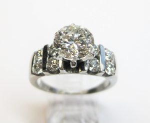 bar-set-diamond-ring